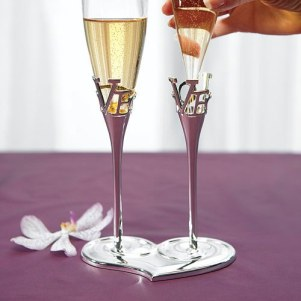 Love_Flutes_Champagne_Wedding_Set_Glasses