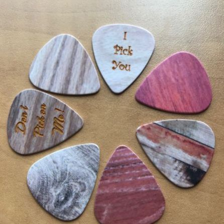 guitar pick wood grain